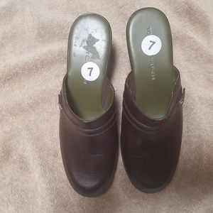 Tommy Hilfiger Brown Mules/Clogs Size 7 M